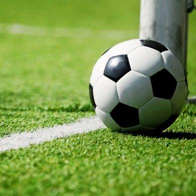Fußballer nach Spiel-Patzer von Teamkollegen totgeprügelt (Foto)
