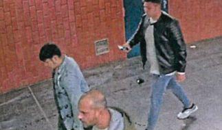 Die Dortmunder Polizei sucht nach diesen drei Männern, die einen Stadtmitarbeiter am 22. September 2020 brutal zusammengeschlagen haben. (Foto)