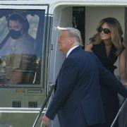 Rätselhafte Bilder! Reist der US-Präsident etwa mit einem Melania-Double? (Foto)