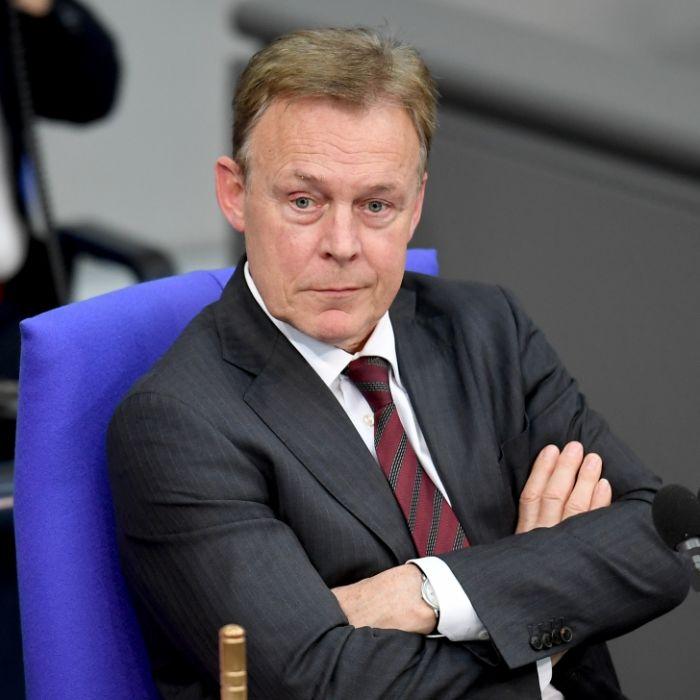 Kollaps vor Live-Schalte im TV! SPD-Politiker (66) gestorben (Foto)