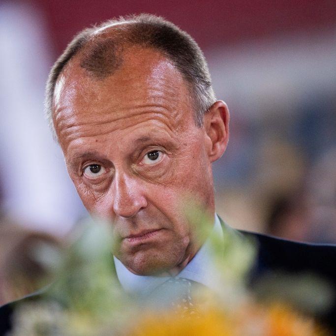 """""""Geldsäcke mit Privatjet!"""" SO heftig ätzt Twitter gegen den CDU-Kandidaten (Foto)"""