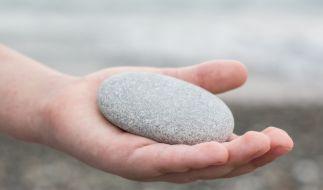 Ein Junge hat drei Kinder mit einem Stein erschlagen. (Symbolfoto) (Foto)