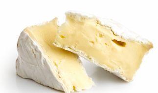 Ein beliebter Brie wird aktuell zurückgerufen. (Symbolfoto) (Foto)