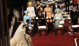 Bei der Hochzeit von Prinz Charles und Prinzessin Diana strahlte Schwiegervater Prinz Philip noch übers ganze Gesicht. (Foto)