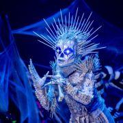 DSDS-Liebling, Schlagerstar oder Model: Steckt SIE im Skelett-Kostüm? (Foto)