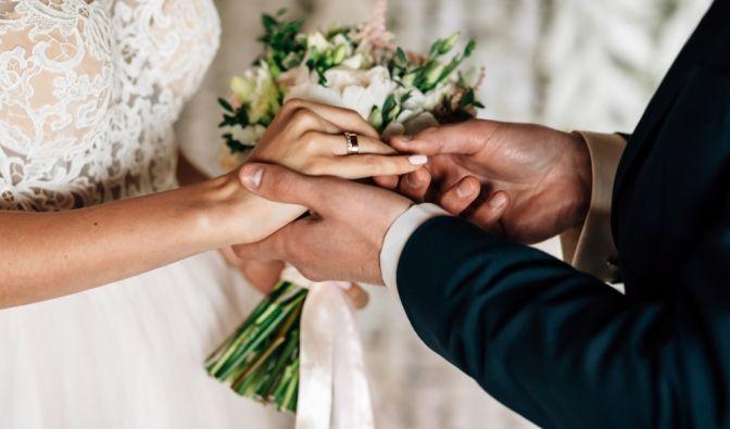 Ein Vater hat seine Tochter geheiratet, um Sex mit ihr zu haben.