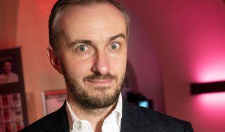 Hat Jan Böhmermann Michael Wendler bei den Corona-Verschwörungstheoretikern eingeschleust? (Foto)