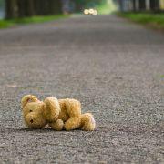 Die drei toten Kinder, die in einem Einfamilienhaus in der Schweiz gefunden wurden, sind vermutlich von ihrem Vater getötet worden, bevor er sich selbst das Leben nahm.