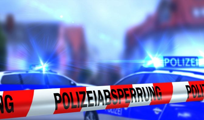 In Marl (NRW) wurde eine tote Frau und ein schwer verletzter Junge in einer Wohnung aufgefunden.
