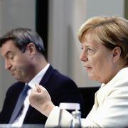 Laut Medienberichten soll es zu Corona-Zoff im Kanzleramt zwischen Bund und Ländern gekommen sein. (Im Bild: Bundeskanzlerin Angela Merkel und Bayerns Ministerpräsident Markus Söder).