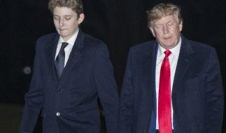 Der Blick von Trumps Sohn Barron ist meist gesenkt. (Foto)