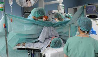 Eine betrunkene Ärztin hat eine Frau bei der Geburt getötet. (Symbolfoto) (Foto)