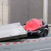 """Autofahrerin von Betonplatte erschlagen - Fehlkonstruktion laut Behörde """"mit Absicht"""" (Foto)"""
