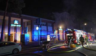 Die Berliner Feuerwehr war bei einem Brand am U-Bahnhof Onkel Toms Hütte im Großeinsatz. (Foto)