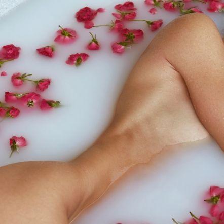 Bloß nicht die Hände heben! HIER zeigt sie mehr als nur ihre Blumen (Foto)