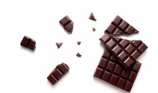 Günstige Bitterschokolade überzeugt die Stiftung Warentester im Geschmackstest. (Foto)