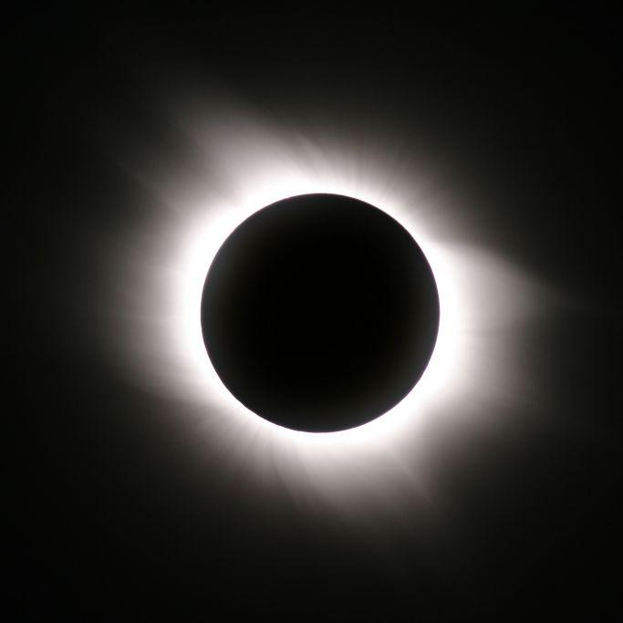Sonnenfinsternis und die längste Nacht des Jahres (Foto)