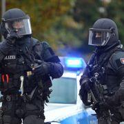 Bei Schüssen in Nürnberg sind zwei Menschen zu Tode gekommen. Das SEK ist im Einsatz.