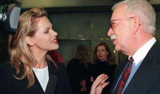 TV-Journalist Geert Müller-Gerbes, hier im Gespräch mit Moderatorin Nina Ruge, ist im Alter von 83 Jahren gestorben. (Foto)