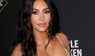 Kim Kardashian sinniert im Bikini über ihr Leben. (Foto)