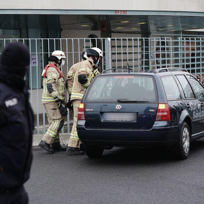 Fahrer nach Auto-Attacke vor Kanzleramt entlassen - Ermittlungen (Foto)