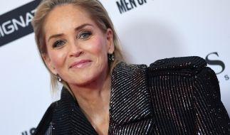 Sharon Stone versprüht auch mit 62 Jahren noch reichlich Erotik. (Foto)
