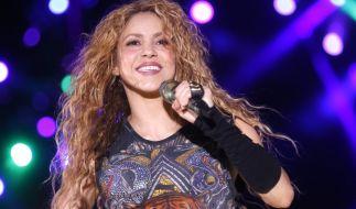 Shakira heizt ihren Fans mit einem heißen Auftritt ein. (Foto)