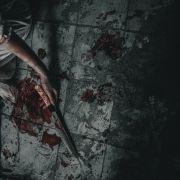 Dämonen-Tochter köpft Mutter und schneidet Augäpfel heraus (Foto)