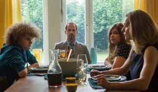 So tickt Schauspieler Marc Ben Puch (Mitte) privat. (Foto)