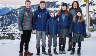 Prinz Christian von Dänemark (2.v.l.), hier mit seinen Eltern Prinz Frederik und Prinzessin Mary von Dänemark und seinen Geschwistern Vincent, Isabella und Josephine, ist positiv auf das Coronavirus getestet worden. (Foto)