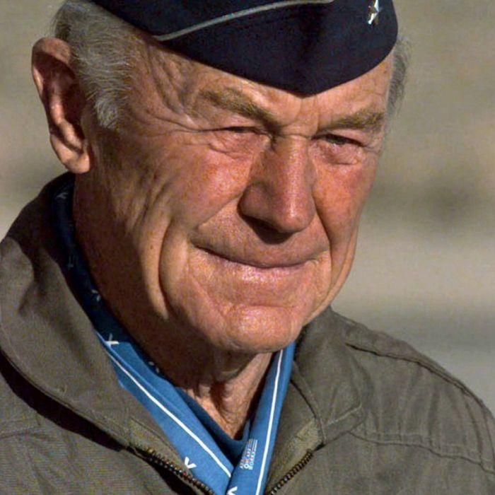 Er durchbrach als Erster die Schallmauer! Trauer um Piloten-Legende (†97) (Foto)