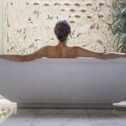 Heiße Werbeaktion! HIER geht die Tochter von Steve Jobs baden (Foto)
