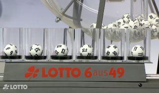 Die Lotto-Kugeln entscheiden heute, ob der Jackpot bei Lotto am Mittwoch geknackt wird (Foto)