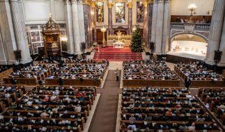 Volle Kirchenbänke wie hier im Berliner Dom zur Weihnachtspredigt am 24.12.2019 wird es im Corona-Jahr 2020 nicht geben. (Foto)