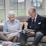 Royaler Stinkefinger! DIESE Geste hätte keiner von der Queen erwartet (Foto)