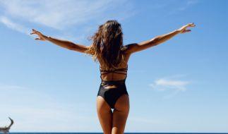 Bei Kurven-Model Demi Rose ist wieder einmal ALLE im Lack. (Foto)