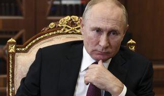 Wladimir Putin lässt die Muskeln spielen. (Foto)