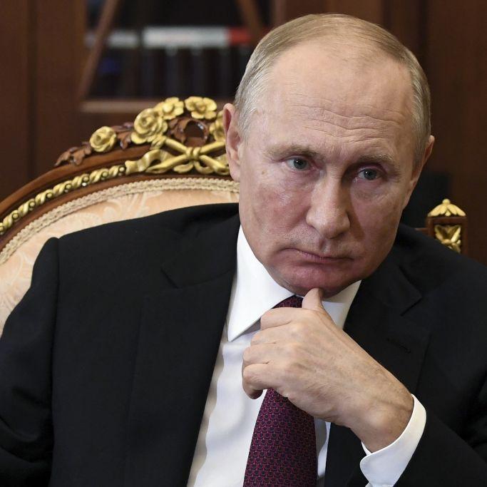 Kriegsschiffe entsandt! Putin droht mit neuer Superwaffe (Foto)