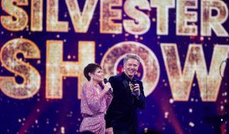 """Jörg Pilawa und Francine Jordi feiern mit dem ARD-Publikum ins neue Jahr 2021 hinein - das erwartet die Zuschauer in der """"Silvester-Show mit Jörg Pilawa"""" am 31.12.2020. (Foto)"""
