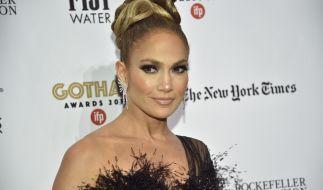 Jennifer Lopez zeigt sich im Netz als hüllenloser Engel. (Foto)