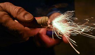 Trotz Böllerverbots sind in der Silvesternacht etliche Menschen durch Pyrotechnik verletzt worden (Symbolbild). (Foto)