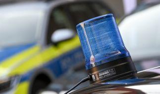 Nach dem Fund der Leichen eines 44-jährigen Mannes und dessen fünfjährigen Sohnes in Thüringen ermittelt die Polizei. (Foto)
