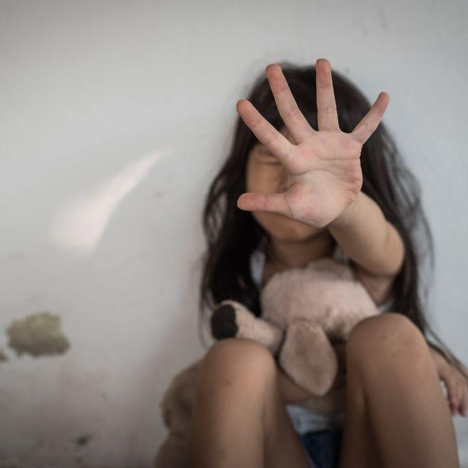 """""""Lasst mich sterben!"""" Kind (7) erliegt Missbrauchs-Verletzungen (Foto)"""