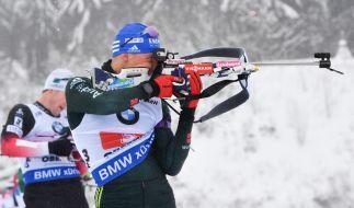 Erik Lesser aus Deutschland am Schießstand beim Biathlon-Weltcup in Oberhof. (Foto)