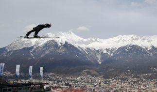 Vierschanzentournee in Innsbruck: Severin Freund aus Deutschland in Aktion beim Probedurchgang vor der Qualifikation. (Foto)