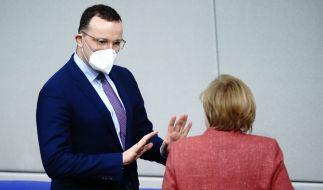 Wie ist es um das Verhältnis von Angela Merkel und Jens Spahn bestellt? (Foto)