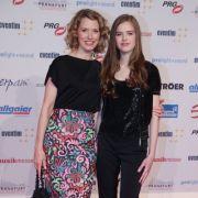 Franziska Reichenbacher und ihre Tochter Serafina beim LEA-Award 2017.