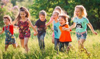 Wo gelten Kontakt-Beschränkungen für Kinder? (Foto)