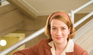 """Schauspielerin Nina Gummich ist in der dritten Staffel von """"Charité"""" in der Rolle der jungen Ärztin Ella Wendt zu sehen. (Foto)"""