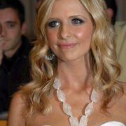 Buffy im Bikini! DIESES Pool-Foto zog nicht nur Dämonen in seinen Bann (Foto)